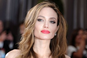 angelina-jolie-seni-130514093421_big