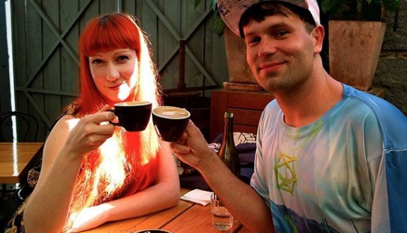 1412181792-this-man-3-year-plan-meet-up-each-of-his-1000-plus-facebook-friends-coffee-matthew-kulesza_original-580x333