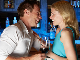 10-Ways-to-Flirt-With-a-Girl-Without-Creeping-Her-Out